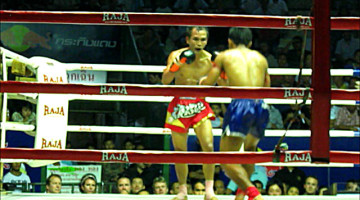 Muay Thai Fight: Kayasith Chuwattana VS Petake Look Bor Gor, Rajadamnern Stadium, October 1, 2009