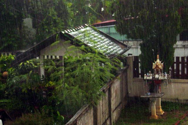 san-kamphaeng-rain