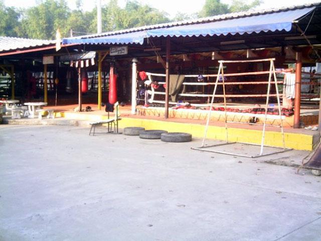 Siam No.1 Muay Thai Gym, San Kamphaeng, Thailand, 2007