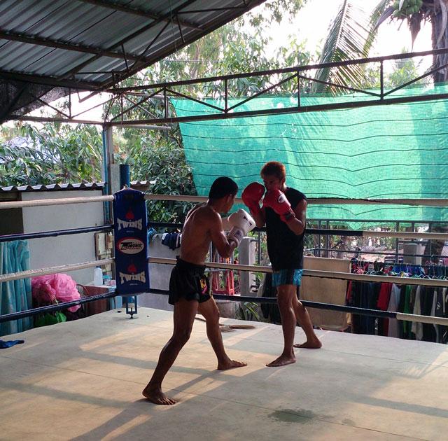 muay thai fighters in thailand boom watthanaya