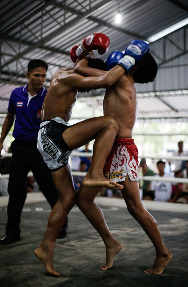 Pet-Satuek-Giatbundit-Gym-Muay-Thai-Knee