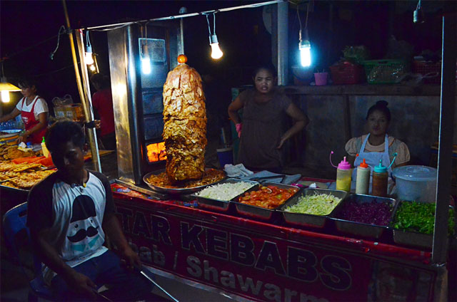 thai-street-food-shawarma-vendors