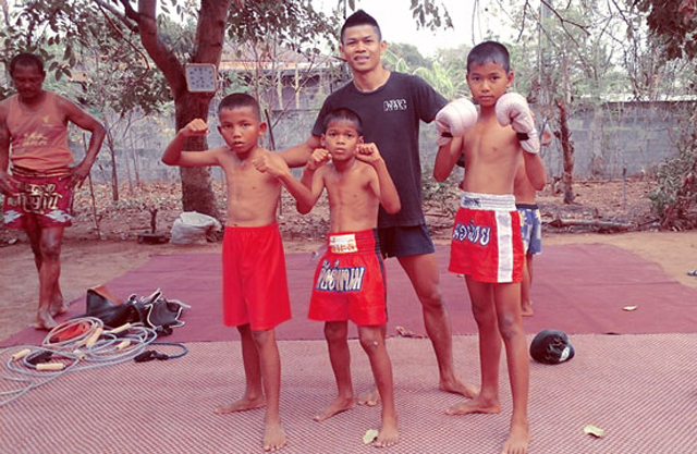 wor-watthana-muay-thai-fighters