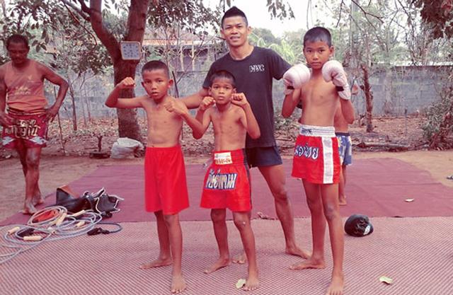 wor-watthana-muay-thai-fighters