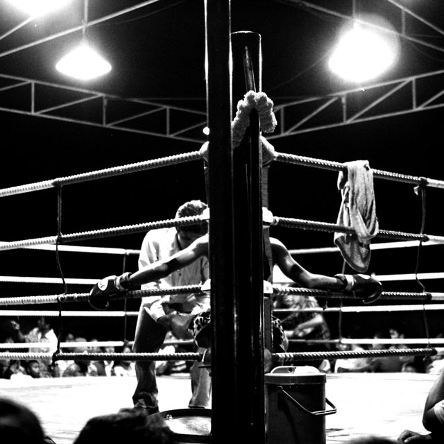 in-muay-thai-fight-corner