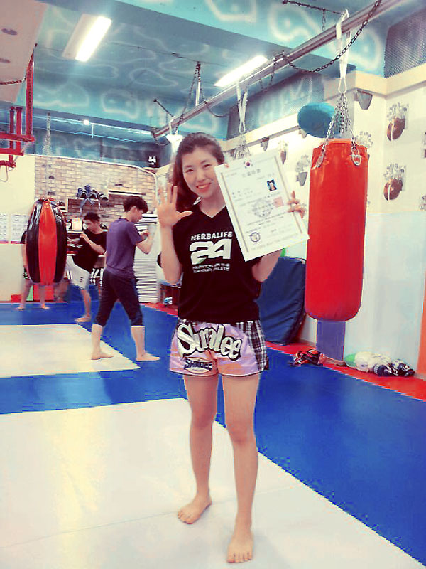 korean-muay-thai-female-student