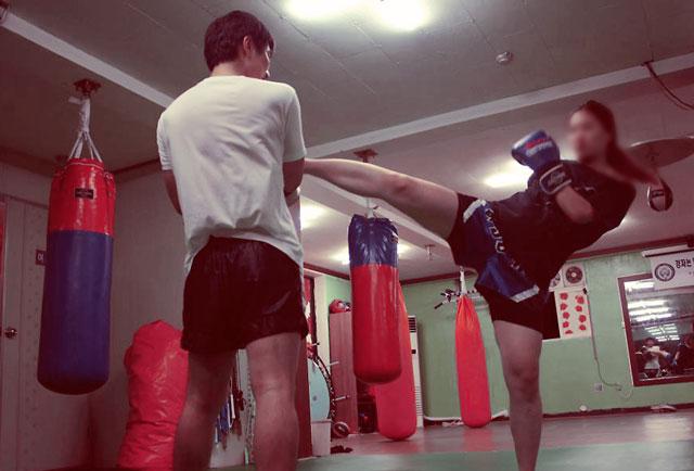 korean-female-fighter-training