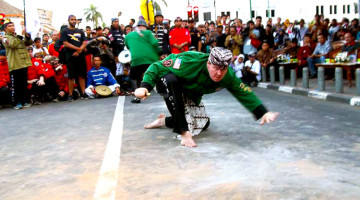 The Balance and Ritual of Training Indonesian Martial Arts in Central Java